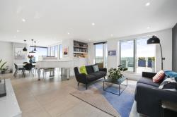 Flat To Let  Waterside Apartments Greater London N4