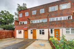 Terraced House To Let  Wimbledon Greater London SW19