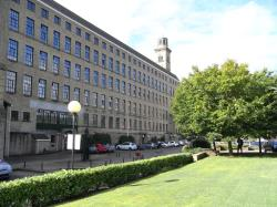 Flat To Let  Saltaire West Yorkshire BD18