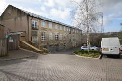 Flat To Let  Brackendale Lodge West Yorkshire BD10