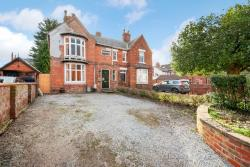 Semi Detached House For Sale  Lincoln Lincolnshire LN5
