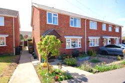 Terraced House For Sale  Lincoln Lincolnshire LN5