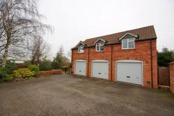 Flat To Let  Thorpe-on-the-hill Lincolnshire LN6
