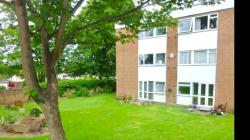 Flat To Let  Woolton Merseyside L25