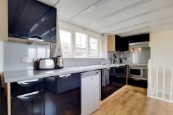 Flat To Let  Oyster Pier Greater London SW11