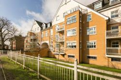 Flat For Sale  Buckhurst Hill Essex IG9