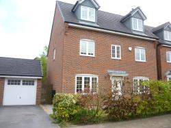 Detached House To Let  Macclesfield Cheshire SK11