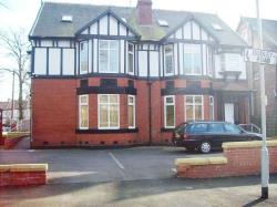 Flat To Let  Whalley Range Greater Manchester M16
