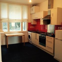 Flat To Let  High Street Kent ME4