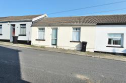 Terraced House To Let  Penywern Glamorgan CF48