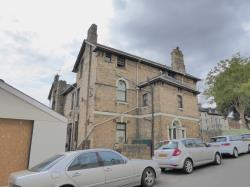 Flat To Let Clytha Square Newport Gwent NP20