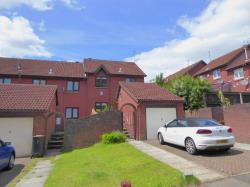 Terraced House To Let  Fields Park Rd Gwent NP20