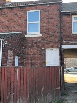 Flat To Let  Featherstone West Yorkshire WF7