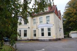 Flat To Let  Poole Dorset BH4