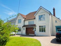 Detached House To Let  Broadstone Dorset BH18