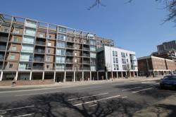 Flat To Let Queen Street Portsmouth Hampshire PO1