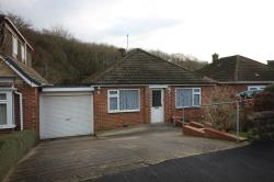 Detached Bungalow To Let  Dronfield Derbyshire S18