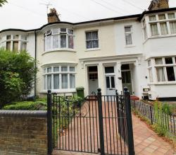 Flat To Let  Cambridge Road Essex SS1
