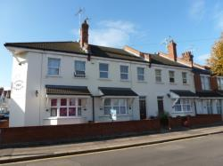 Flat To Let  Westcliff Essex SS0