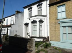 Flat To Let  Southend On Sea Essex SS0