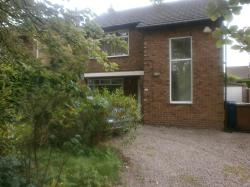 Detached House To Let  Hazel Grove Greater Manchester SK7