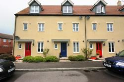 Terraced House To Let  SWINDON Wiltshire SN25