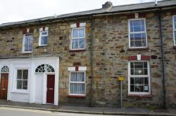 Terraced House To Let  Truro Cornwall TR4