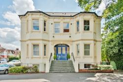 Flat For Sale  Whitton Middlesex TW2