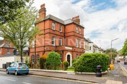 Detached House To Let  Wanstead Greater London E11