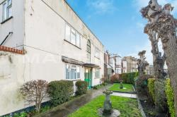 Flat To Let Holly Road Wanstead Greater London E11