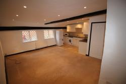 Flat To Let  Herts Hertfordshire SG14