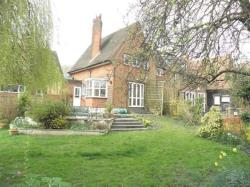 Terraced House To Let  Welwyn Garden City Hertfordshire AL8