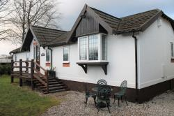 Detached House To Let  Alderley Edge Cheshire SK9