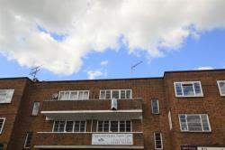 Flat To Let  Oriental Road Surrey GU22