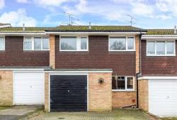 Terraced House To Let  WOKINGHAM Berkshire RG40