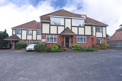 Flat To Let  WOKINGHAM Berkshire RG40