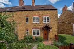 Terraced House For Sale  Banbury Northamptonshire OX17