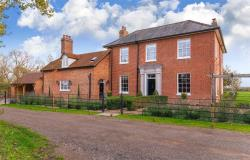 Detached House For Sale Long Marston Tring Hertfordshire HP23