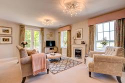 Flat For Sale North Cotswolds Bourton on the Water Gloucestershire GL54