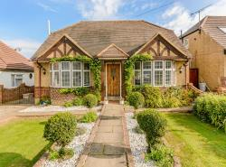 Detached House For Sale The Walk Potters Bar Hertfordshire EN6