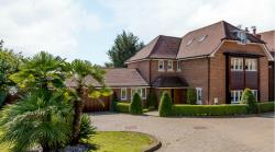 Detached House For Sale  Cuffley Hertfordshire EN6