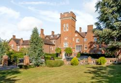 Flat For Sale  Essendon Hertfordshire AL9