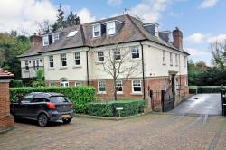 Flat For Sale  Brookmans Park Hertfordshire AL9