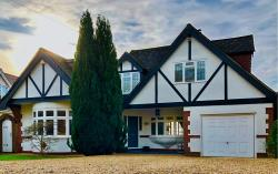 Detached House For Sale  Northaw Hertfordshire EN6