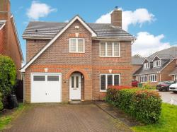 Detached House To Let  Carshalton Surrey SM5