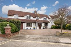 Detached House For Sale Dalrymple Close Chelmsford Essex CM1