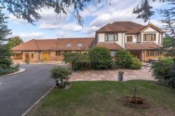 Detached House For Sale   Wiltshire SN26
