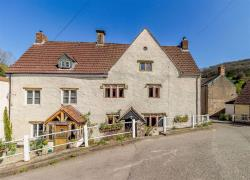 Semi Detached House For Sale  Chepstow Monmouthshire NP16