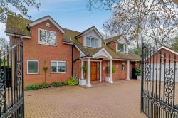 Detached House For Sale  Arkley Hertfordshire EN5