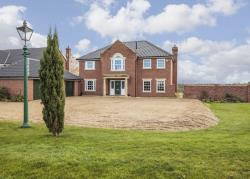 Detached House For Sale  Harleston Norfolk IP20